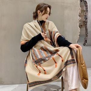 2020 bufanda del invierno caliente de las mujeres bufanda de la cachemira de la nueva manera Foulard Señora caballo bufandas Correspondencia de colores suaves gruesas Chales Wraps