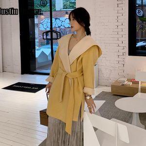 Neue kommenden Beidseitige lose Cashmere-Mantel mit Kapuze Elegante Winter-Frauen Mäntel mit Gürtel 2020 Solid Color Frauen Outwear