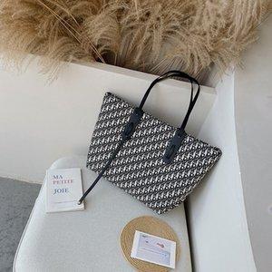 Большие сумки Женщины 2020 Новый Insfamous Одно Плечо Bucket Простой Большой емкости портативных Дизайнерские сумки Lattice Tote Bag