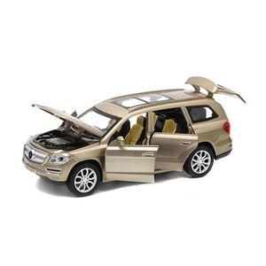 01:32 GL500 Simulação Toy Vehicles Modelo Alloy Pull Back Brinquedos Genuíno Licença Gift Collection Off-Road Vehicle Crianças LJ200930