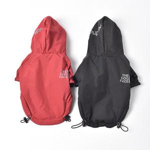 패션 디자이너 애완 동물 개 옷 반사 편지 애완 동물 개 자켓 2 다리 방수 재킷 2 색 두건 된 비옷 애완 동물 용품