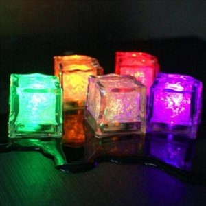 2.7cm Plastic LED Ice Cubes Party Decoration Water Sensor Sparkling Luminous Artificial Glowing Light Wedding Bar Flash Wine DHF2874