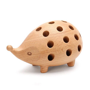 Nordic Arts and Crafts Studio Decoration Children's Penholder Solid Wood Carving Hedgehog Decoration Small Gift 1007