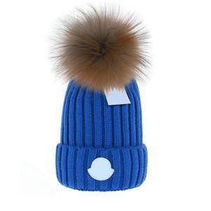 2021 Wholesale Beanie New Winter Caps de punto sombreros de punto Mujer Bonnet espesante gorros con pompones de piel de mapache Real Pompones cálidos Caps Pompon Beanie
