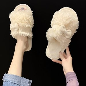 Ladies Indoor slippers ,autumn and winter,cute,Keep warm,love,Non-slip Flat bottom,Simple and generousFashion,Good-looking,Homely,