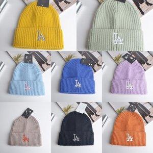 şapka Kadınlar Kızlar Açık Boys Erkekler için Yeni Kış İlkbahar Nakış Kapşonlu kap adam Skullies Şapka Unisex Sonbahar knitte 8vrk için lüks örme Ilık