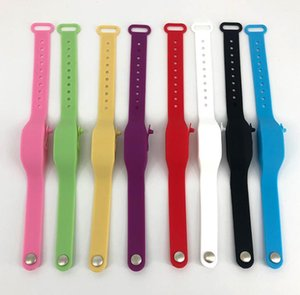 8 Cor recarregáveis Hand Sanitizer Saúde Bracelet Wearable Silicone Pulseira Esvaziar Dispenser Pulseiras ajustáveis com garrafa de Squeeze