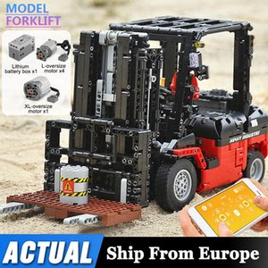 Mould King 13106 Technic Motor Power Mobile Crane Forklift Mk II Car Building Kits Blocks Bricks Toy Compatible MOC 3681 C0119
