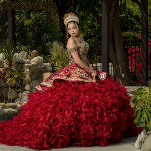 Burgundy Quinceanera Dresses with Gold Applique Beaded Off the Shoulder Sweet 16 Dress vestido de 15 anos 2021 Ball Prom Gowns