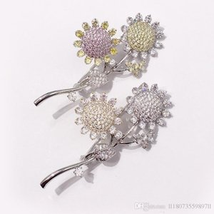 Luxury Letters Design Crown Brooches Bouquet Corsage Silver Plated Crystal Pearl Sunflower Brooch Pins Lapel Pins For Women Suit Accessories