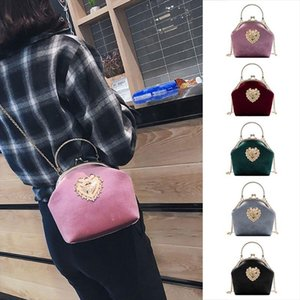 Evening Bags Women Velvet Handbag Vintage Heart Design Evening Bag Wedding Party Bride Clutch Shoulder Bags Purse