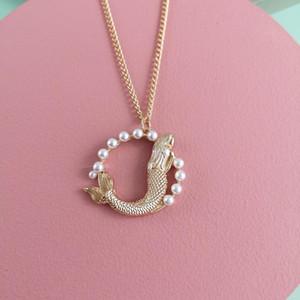 AOTEMAN Vintage-Metallic Goldkette runde hängende Halskette Fisch-hängende Frauen Damen-Halskette Schmuck zum Valentinstag Geschenk