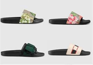 Yeni Sıcak Erkekler Kadınlar Sandalet Ayakkabı Terlik Inci Yılan Baskı Slayt Yaz Geniş Düz Bayan Sandalet Terlik Kutusu Toz Çanta 35-46