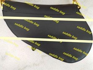 Handtasche Satteltasche Top Qualität echtes Leder mit Schulterriemen Purse Metall Anhänger Schultertaschen Frauen Umhängetasche Kuhfell Handtaschen
