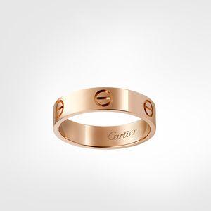 مصمم حلقات الفخامة الكلاسيكية مصمم المجوهرات النسائية حلقات الحب المسمار عصابة التيتانيوم الصلب مطلية بالذهب أبدا تتلاشى ليس حساسية