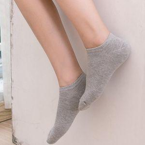 2020ss de moda hombre verano calcetines cortos de la venta caliente calcetines barco calcetines estudiante de hombres y mujeres multicolor un tamaño