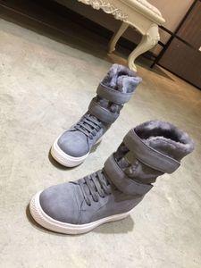 2020 new short-barrel snow boots Australian sheepskin integrated thick-soled anti-skid inner heightened short boots