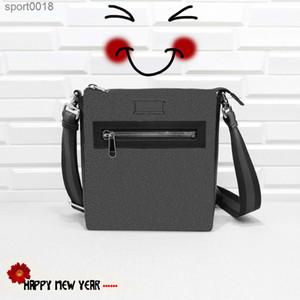 Bolsas de mensajero de estilo de moda hotclassic Tamaño: 21 * 23 * 4,5 cm, varios colores, la mejor opción para salir, Freeshipping