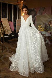 2020 boho wedding dresses Modern Long Sleeves Lace Wedding Dresses V Neck Backless Beach Bridal Gowns Vestido de Novia With Covered Button