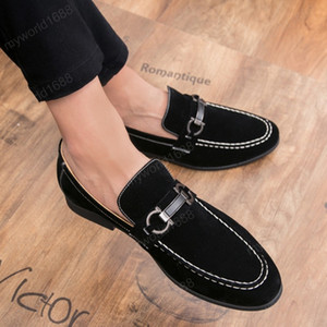 Luxury Fashion Style Soft Moccasins Men Loafers Velvet Shoes Men Flats Suede Leather comfort Driving Casual Shoes