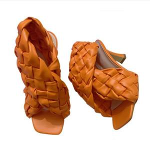 2020 Verão Sapatos Lisos Mulheres Chinelos de Luxary Design Flip Flops Rodada Toe Senhoras New Stylus Beach Tory Sandálias Tamanho Asiático
