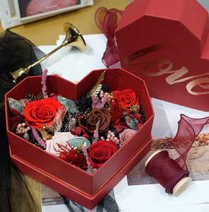 Corazón en forma de caja AMOR broncea la flor de la boda Engagment Valentine Girl Día cumpleaños del amigo del regalo del amor caja del paquete HHA2171