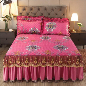 Luxo Veludo Quilted ColchaSpread Rei Rei Queen Cama Set Curta Printing Bed Skirt 1 Pc Bed Skirt + 2 Pcs Fronhas