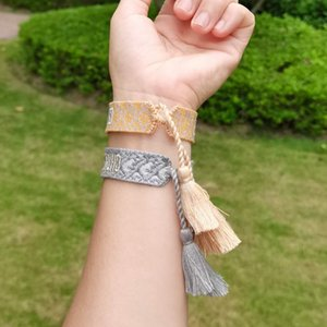 80 estilos de pulseiras de amizade por atacado de estoque, borlas feito à mão como presentes e presentes para mulheres pulseiras.