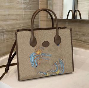 클래식 Luxurys 디자이너 가방 레이디 패션 크로스 바디 가방 핸드백 만화 토트 백 2021 최고의 여성 어깨 가방 공동 작업 쇼핑백