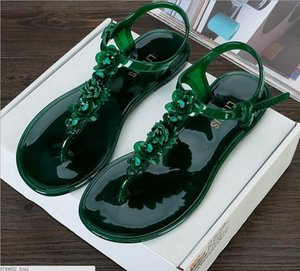 Hot Sale-Toe Plastic Sandals Summer Flat Foot Clip Feet Deduction Anti-skid Holiday Beach Slippers Europe and The United States