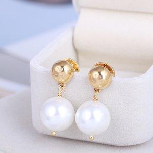 Venta caliente Real Gold Parred Pearl Drop Stud Pendientes.Hole Venta. Pintador Pendientes populares de la letra de la venta caliente