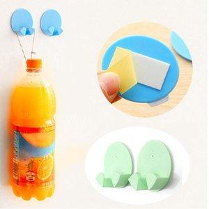 Neue 2 STÜCKE Praktische selbstklebende Netzstecker Sockelhalter Sticky Haken Home Hotel Wandaufhänger Lagerwerkzeuge Dekorative Haken
