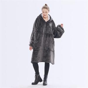 Manta de invierno de gran tamaño con las mangas de las mujeres de gran tamaño con capucha paño grueso y suave caliente sudaderas con capucha gigante manta de la TV Mujeres con capucha del traje BWC2795