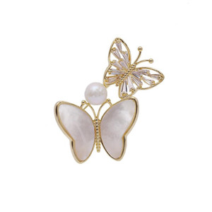 Fashion Pearl Mother shell Butterfly Brooches Pins For Female Brand Designer Wedding Bride Corsage Jewelry Women Luxury Bouttonere Pin
