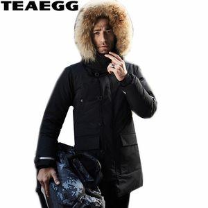 Chaqueta TEAEGG alta calidad Negro invierno de los hombres pato para hombre de la piel abajo cubren natural del mapache Invierno Parka con capucha de piel más el tamaño AL507