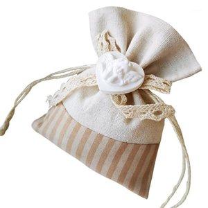 30 PCS EUROPE STYLE CANDY CANDY BOLSAS DE REGALO DE CANDIOS Suministros de boda Ramo de cordón Bouquet Sachet Seco Flor Bag Decoración Joyería Bolsa Christm1