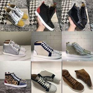 New Womens Mens Sapatos Studded Spikes Moda Vermelho Camurça De Couro Mens Mulheres Flat Bottoms Shoes Party Lovers Sneakers Tamanho 36-47 com caixa
