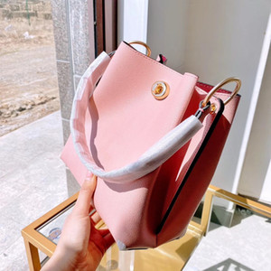 2021 Exquisite material with three-dimensional bucket style sweet wind Handbag high quality women's shoulder bag