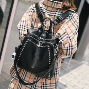 2020 New Female 2020 Leather Savage Personality Rebite Multifunctional Ladies Bag Travel L3yt
