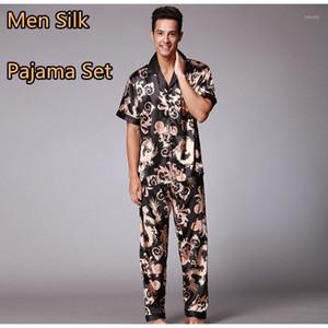 2020 Hombres Seda Seda Pijama Sets Homewear Pijama Verano Hombre Homme Homme Pantalones de manga corta Verano Ropa de dormir Sexy Nightwear Men1