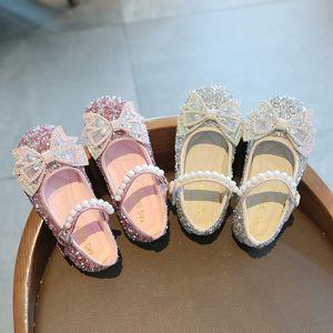 Autumn Girls Princess Shoes Bambini Fashion Diamond with Bow Shoes Kids Soft Bottom Bottom Scarpe casual