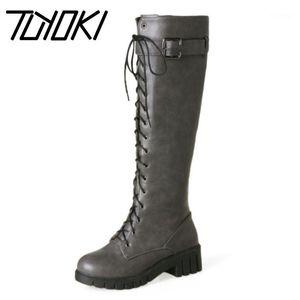 Tuyoki Mujeres Botas Hebilla Plataforma Caliente Invierno Mujer Zapatos Cross Strap Moda Rodilla Altas Botas Calzado Tamaño 34-431