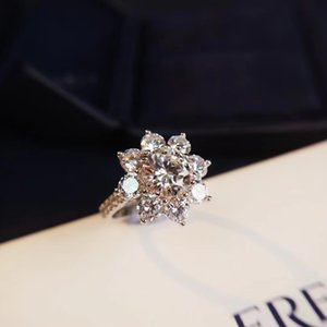 2019 spring new limited edition European and American fashion sun flower white gold simulation diamond ring female suitable for holiday part
