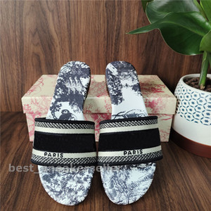 Fashion Paris Womens Slippers Beautiful Scuffs Shoes Summer Beach Slides Girls Flat Slippers Ladies Flip Flops Loafers Knitted Embroidery