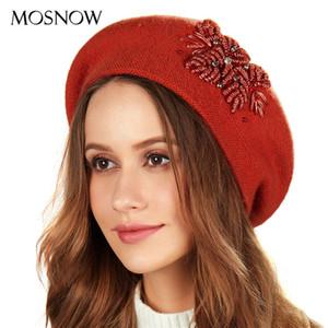 النساء القبعات يدوية الصنع الزهور كاب القبعات أزياء أنثى محبوك القبعات اللؤلؤ حجر الراين الصوف قبعات القبعات الخريف بنات قبعة الشتاء 201026
