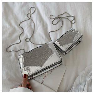Small bag 2019 Korean version of the new fashion laser bright face handbag trend wild fox diamond chain small square bag