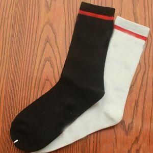1pair=2pcs Breathable Sports Mens Socks Fashion Casual Warm Cotton Women Long Sock Novelty New Style Soft White Black Male Female Socks