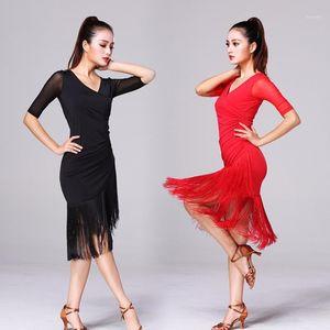 Bühnenabzug 2021 Damen Latin Tanzkleid Frauen Schwarz Kostüme Tassel Salsa V-Ausschnitt Rumba / Samba Fitness Tanzbekleidung