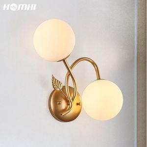Nordic Lampara de Noche Dormitorio LED Lámpara de pared Luz Oro Estilo Europeo Deco Maison Interieur Lámpara de Bola de Vidrio Luxe Sombra