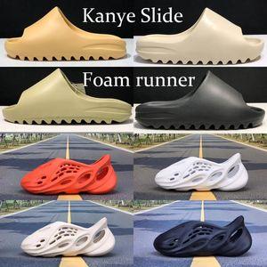 Enfriar Kanye Formulario Sliders corredor de arena del desierto Resina Bone Tierra Brown zapatillas de playa de los zapatos ocasionales de Ararat Triple Negro totales Orange agujerean las sandalias